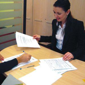 Tinerii fără serviciu, posibil să aibă acces la credite garantate de stat
