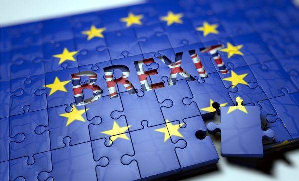 UE a dat un prim aviz acordului de Brexit
