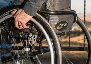 Incluziune universitară  pentru persoanele cu dizabilităţi