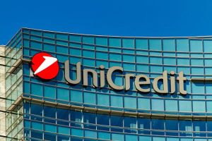 UniCredit, partener principal al proiectului Finance 4 Social Change