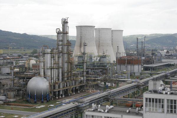 Compania Română de Chimie - un miliard de euro, cifra de afaceri