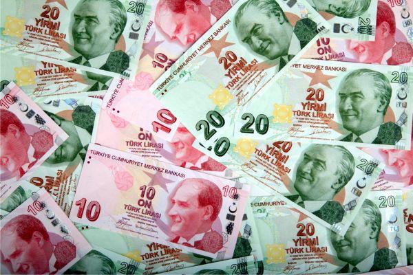Criză valutară în Turcia: Rata inflaţiei a crescut în martie