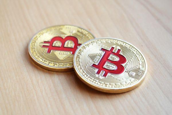 tranzacționarea de monede virtuale