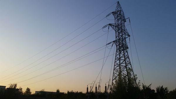 PIATA PENTRU ZIUA URMATOARE Preţul maxim al energiei electrice – 387,64 lei/MWh