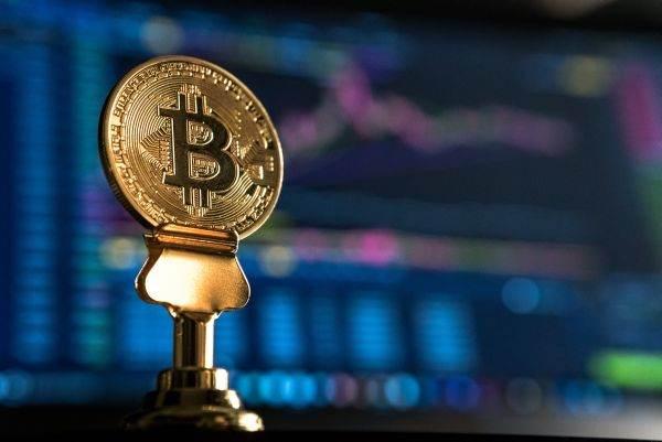 cei care investesc în cripto acum vor fi bogați